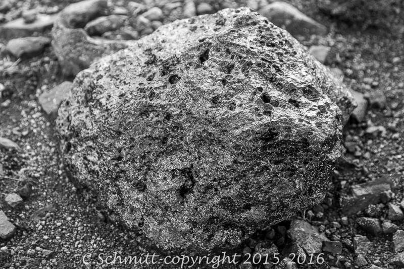 bombe volcanique au milieu de l'Odadahraun désert centre Islande photo noir et blanc