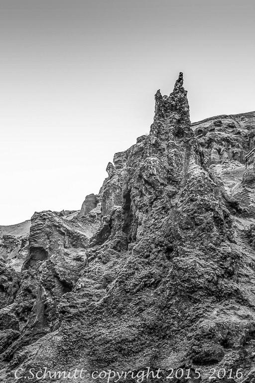 Formations de lave tortueuses à Thakgill sud Islande photo noir et blanc