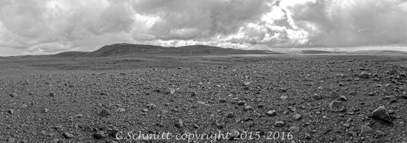 panorama piste F910 désert de l'Odadahraun centre Islande photo noir et blanc