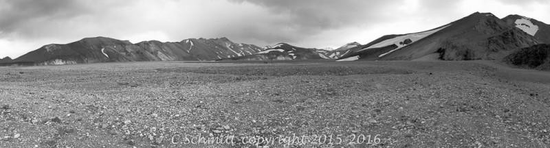 vallée du Landmannalaugar et canyon de Graenagill centre Islande photo noir et blanc