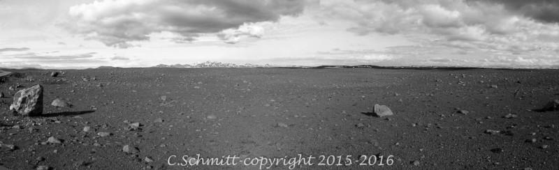 Panorama désertique piste F35 Kjollur au centre de l'Islande photo noir et blanc