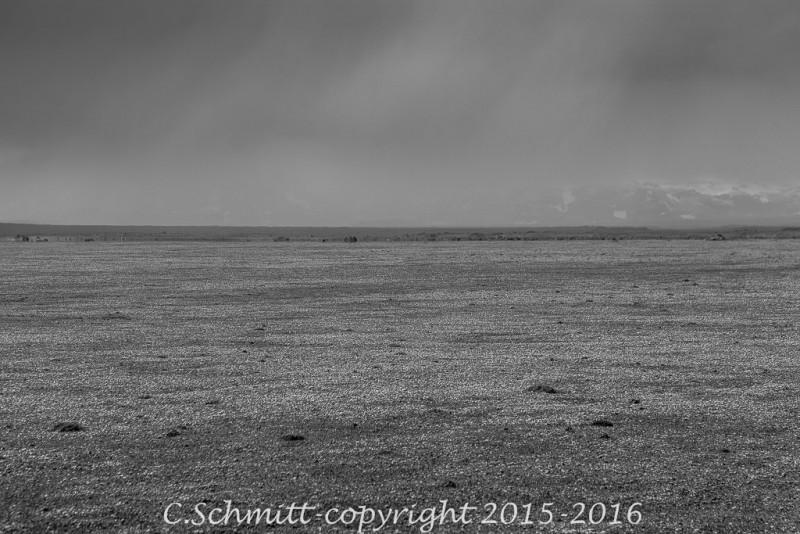 Paysages désolé et aride de pierre ponce dans l'Odadahraun centre Islande photo noir et blanc