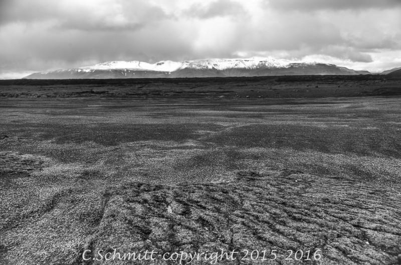 Paysages de l'Odadahraun : désert de pierre ponce éruptive de l'Askja centre Islande photo noir et blanc