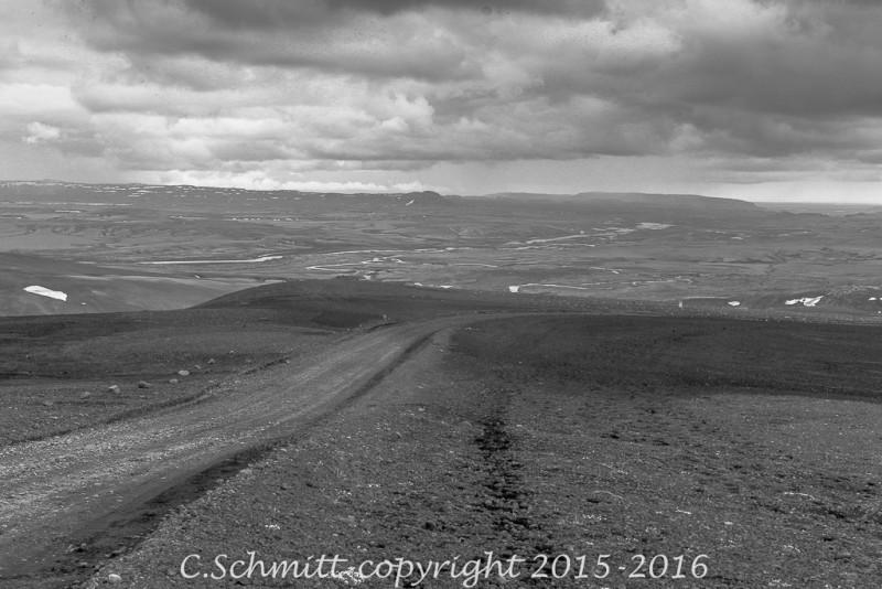piste F206 vers le Laki traverse plaines et plateaux sud Islande photo noir et blanc