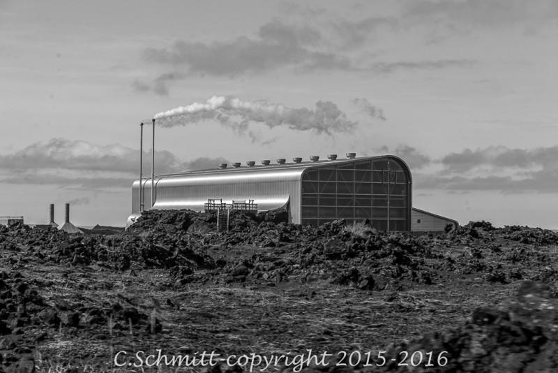 usine géothermique à Gunnuhver, péninsule de Reykjannes sud Islande photo noir et blanc