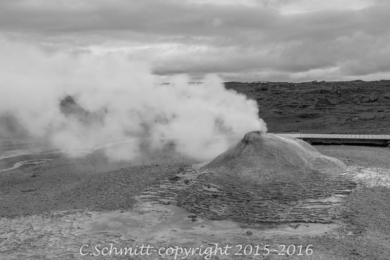 Oskurholl, vapeur à Hveravellir F35 Islande photo noir et blanc